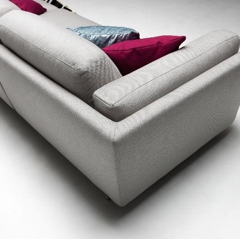 луксозен италиански модулен диван модел Cooper от фабрика Nicoline