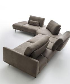 луксозен италиански модулен диван модел Assago от фабрика Nicoline