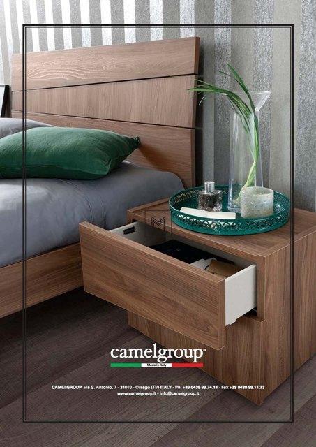 луксозно нощно шкафчеот Италианска спалня модел Storm от Arreda Casa, производител Camelgroup