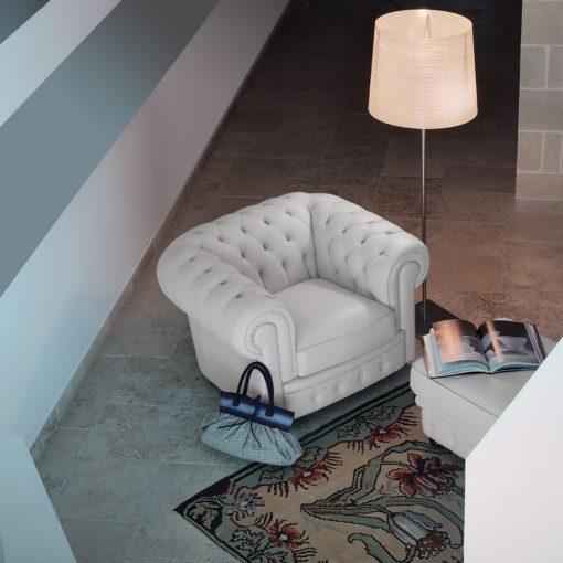 класически италиански диван модел Sir william производител Calia