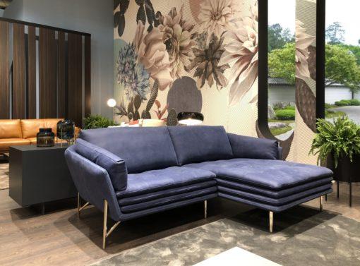 Луксозен диван Mag в син цвят