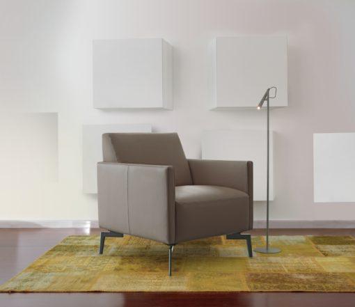 Италианско кресло модел Tomasella strike от Arreda Casa, производител Calia