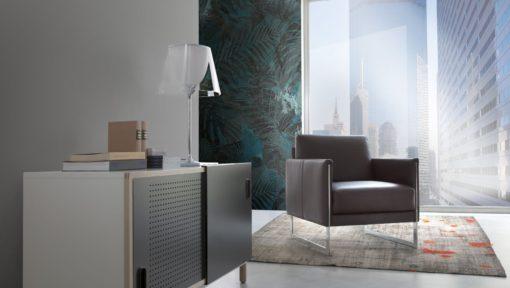 Луксозно италианско кресло модел Coco производител Calia