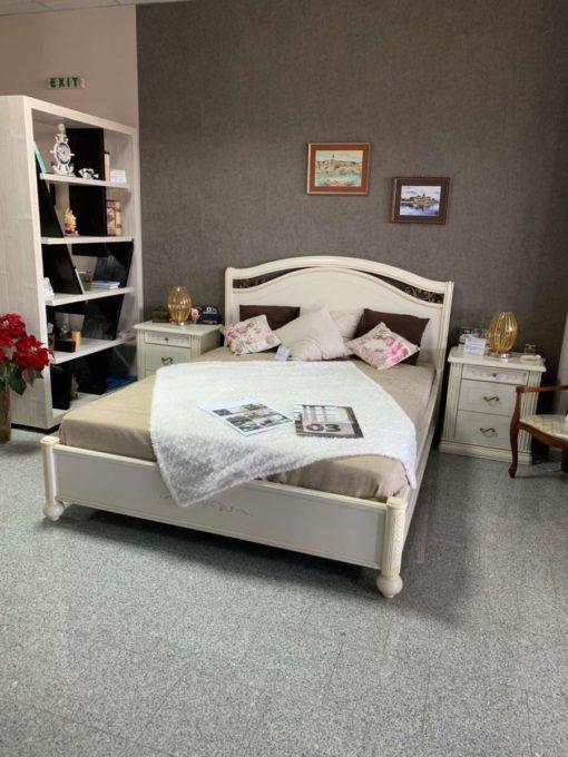 Луксозена спалня SIena в класически стил